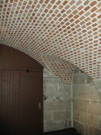 Ziegelgewölbe unter dem Turmdach. Die Decke wurde mit Eisenbeton verstärkt.