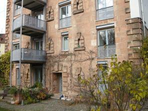 Auch in der Grübelstraße in Nürnberg wurden Außen Balkone angebracht.